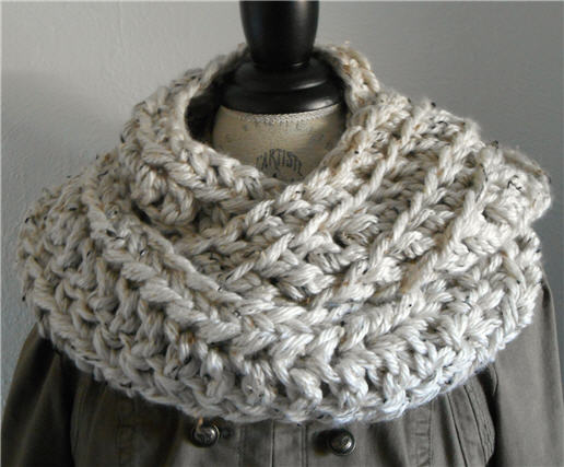 Loop it 2 times or 3 times for a Chunky Cowl